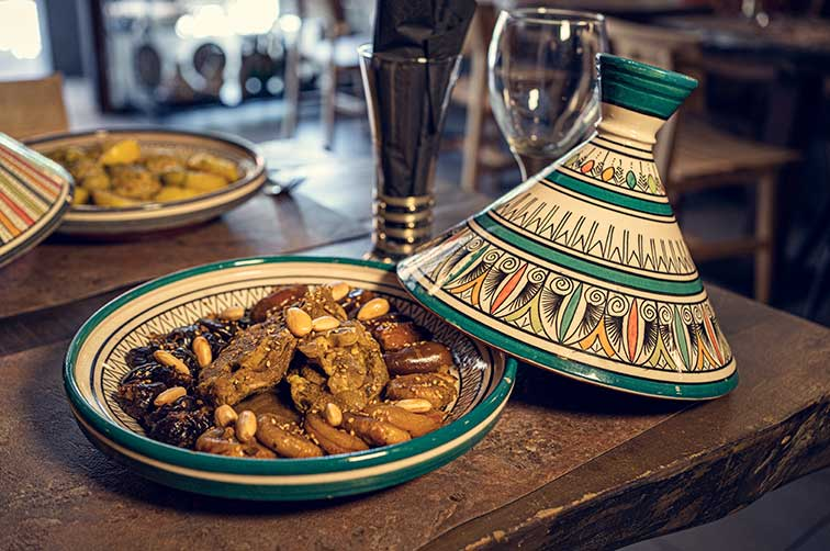 tajines et plats cuisinés du Maroc